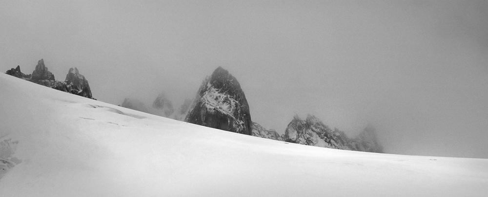 Les Aiguilles Dorées, depuis la Cabane du Trient, Valais, Suisse.